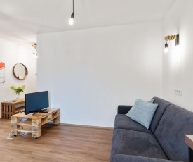 Elegant Apartment in Hopfgarten with Gym and Balcony