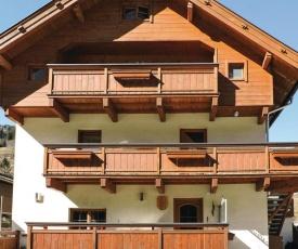 Two-Bedroom Apartment in Viehhofen