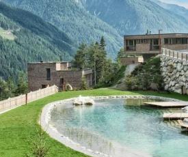 Chalet Gradonna Mountain Resort.1