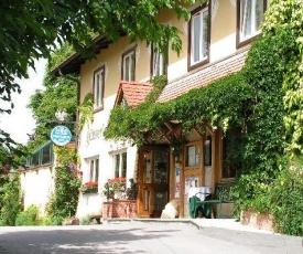 Hotel Restaurant - Häuserl im Wald Graz