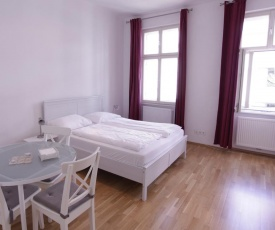 Casa Nostra - Helle Wohnung - direkt am Augarten