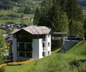 Haus im Turm